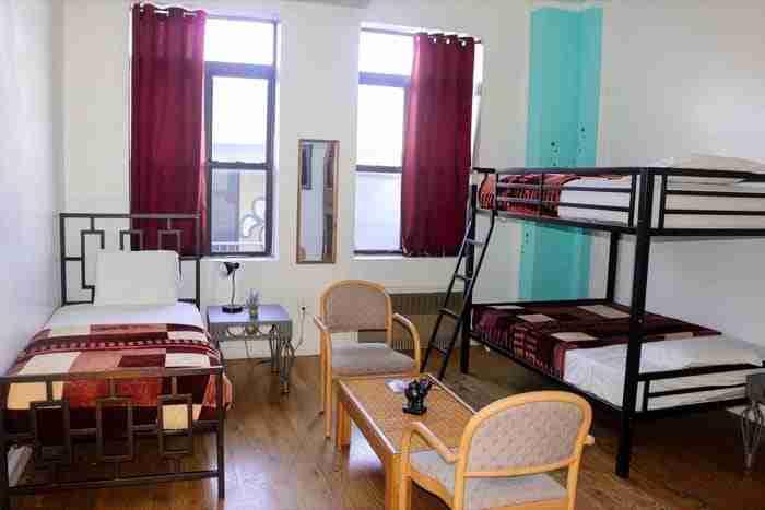 Ny Moore Hostels