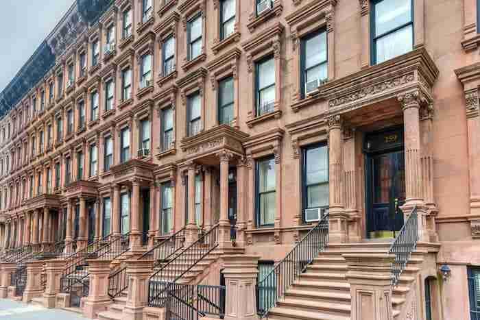 I tipici palazzi in brownstones di New York