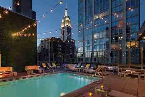 Hotel a New York con piscina
