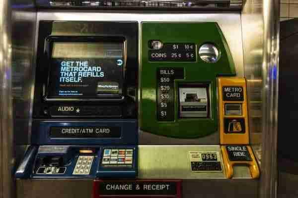 Distributore automatico di biglietti per la metro