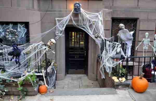 Decorazioni di Halloween nell'Upper West Side