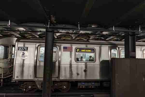 Vagone del treno della metro.